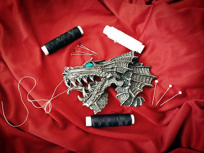 Die Schneiderin des roten Drachen
