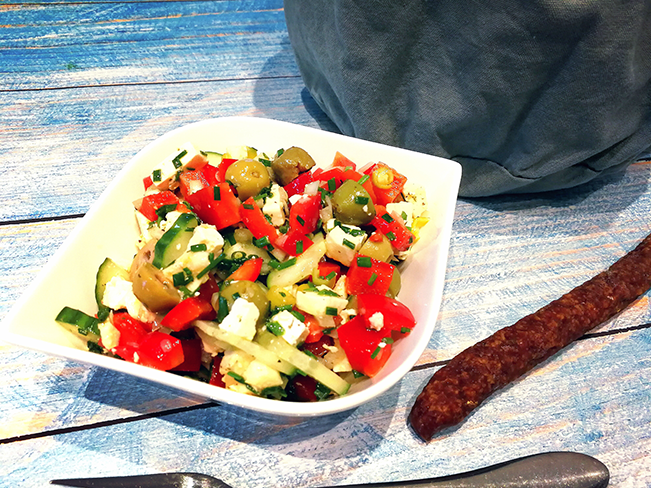 Schmackhafter Salat nach griechischer Art