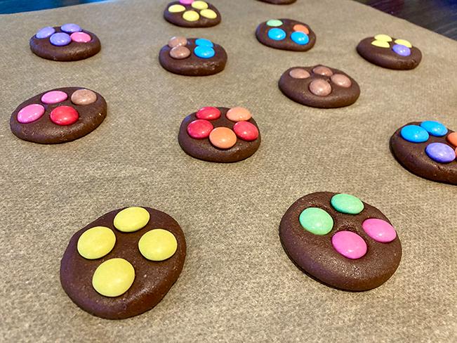 Dekorierte Cookies mit Nutella